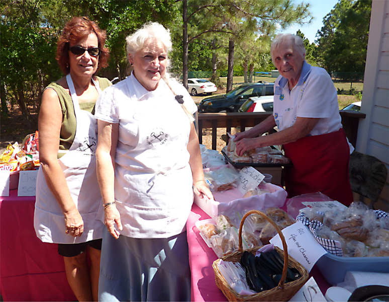 jill-keene-lucas-sis-newberry-and-lillian-schermerhron-help-serve-lunch