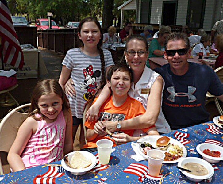 d-Joe-Pam-Fernandez-and-family