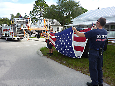 28-folding-the-flag