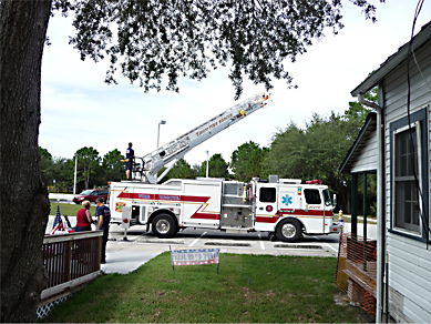 01-fire-truck-arrives-with-the-flag