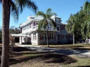 Boomer House